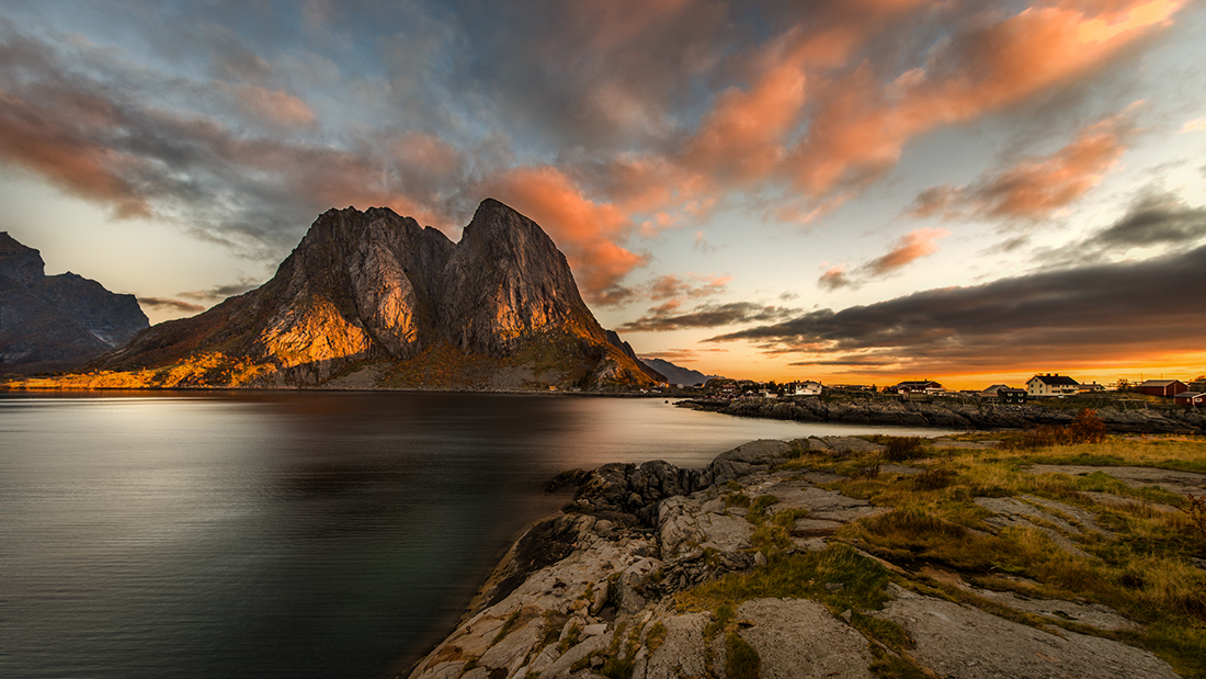 sunrise in lofoten